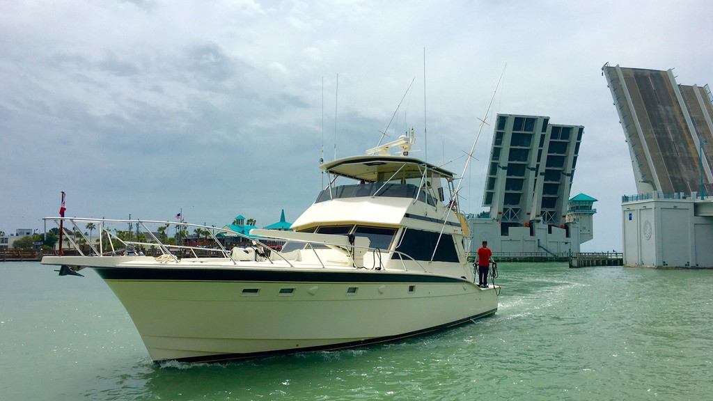 Private Fishing Charters Mrs Hub | Hubbard's Marina